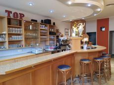 innenraum_cafe-on-top